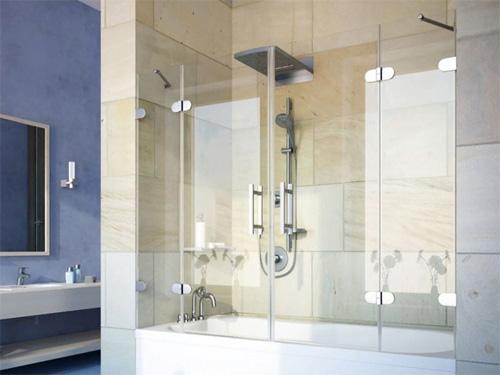 Фото стеклянной шторки на ванне