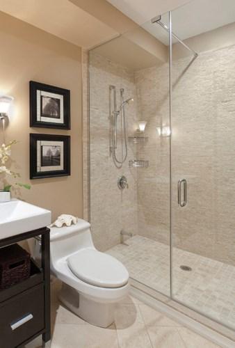 Стеклянная дверь в нишу ванной комнаты