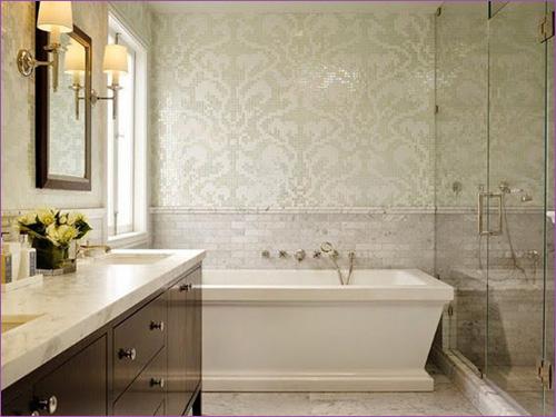 Ванная с ванной и душевой кабинкой
