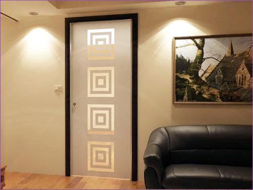 Межкомнатная стеклянная дверь с узорами
